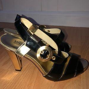 MICHAEL Michael Kors - Black Heels w Gold Details